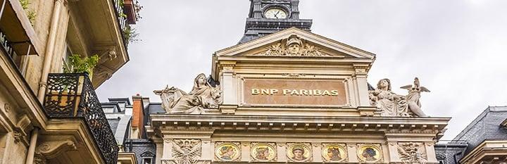devanture du siège de la banque privee BNP Paribas